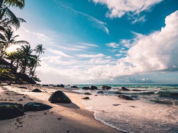 GMGM] Mơ thấy BIỂN báo điềm gì Biển nước xanh mênh mông, nằm mơ ...