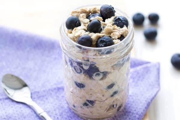Bột yến mạch, bột protein và quả việt quất
