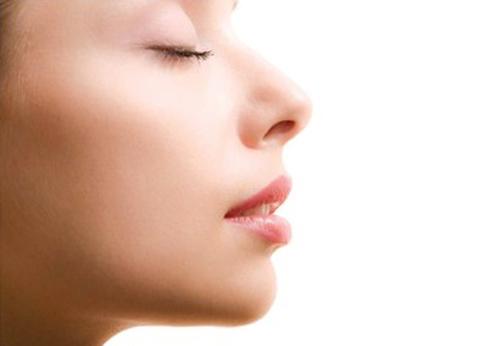 Sự thật: Bạn có thể chỉ thở ra bằng một lỗ mũi ở một thời điểm
